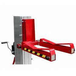 Adaptador cargas diseño curvo para elevador manual plegable de 200/300/400 kg de capacidad en uso