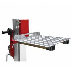 Plataforma de carga para elevador manual plegable con manivela en uso